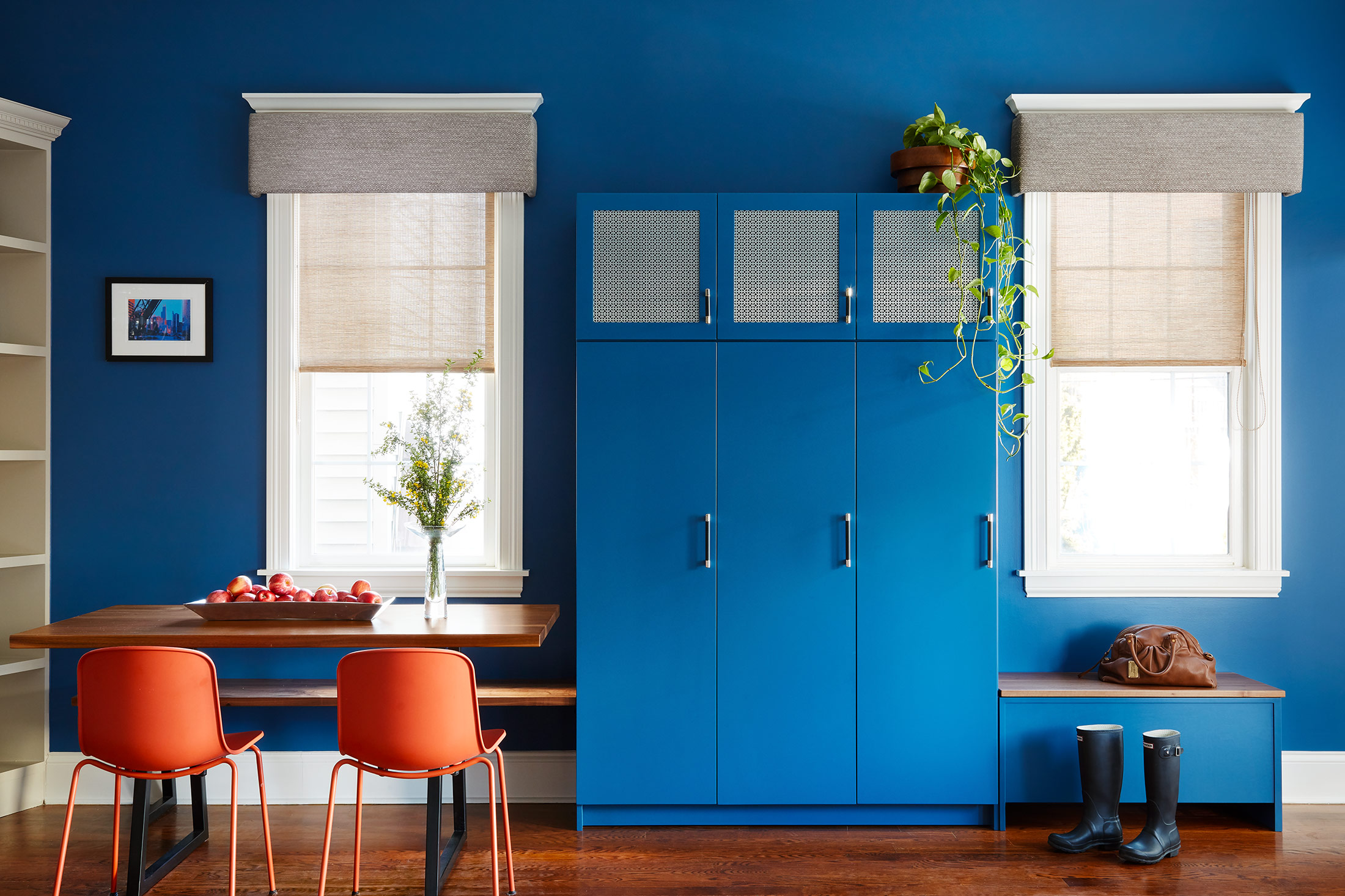 unpatterned-chicago-interiordesign-openconcept-bluecabinet.jpg