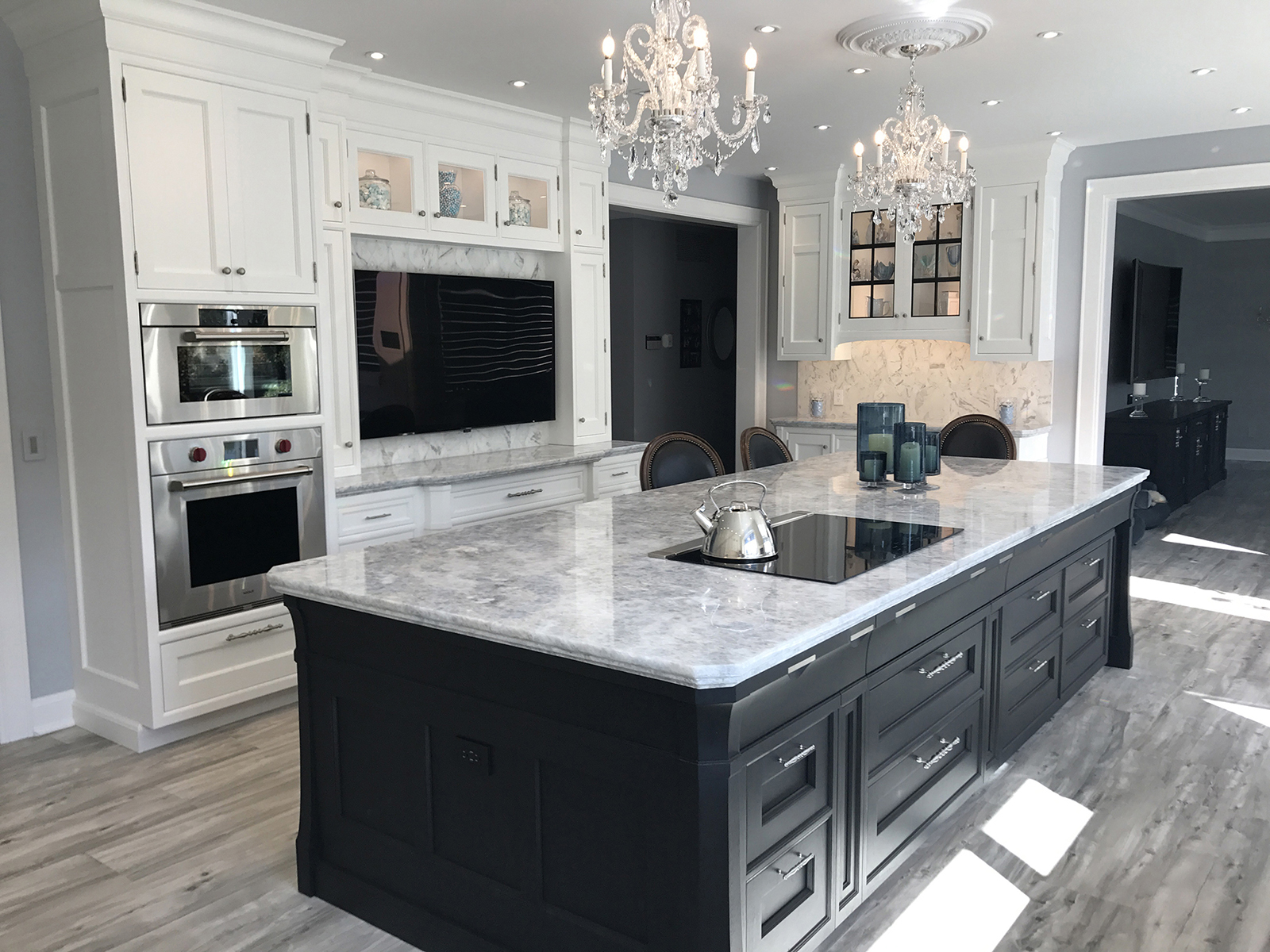 Amazing Rutt Cabinetry - RUSKIN style. Designed by Elite.