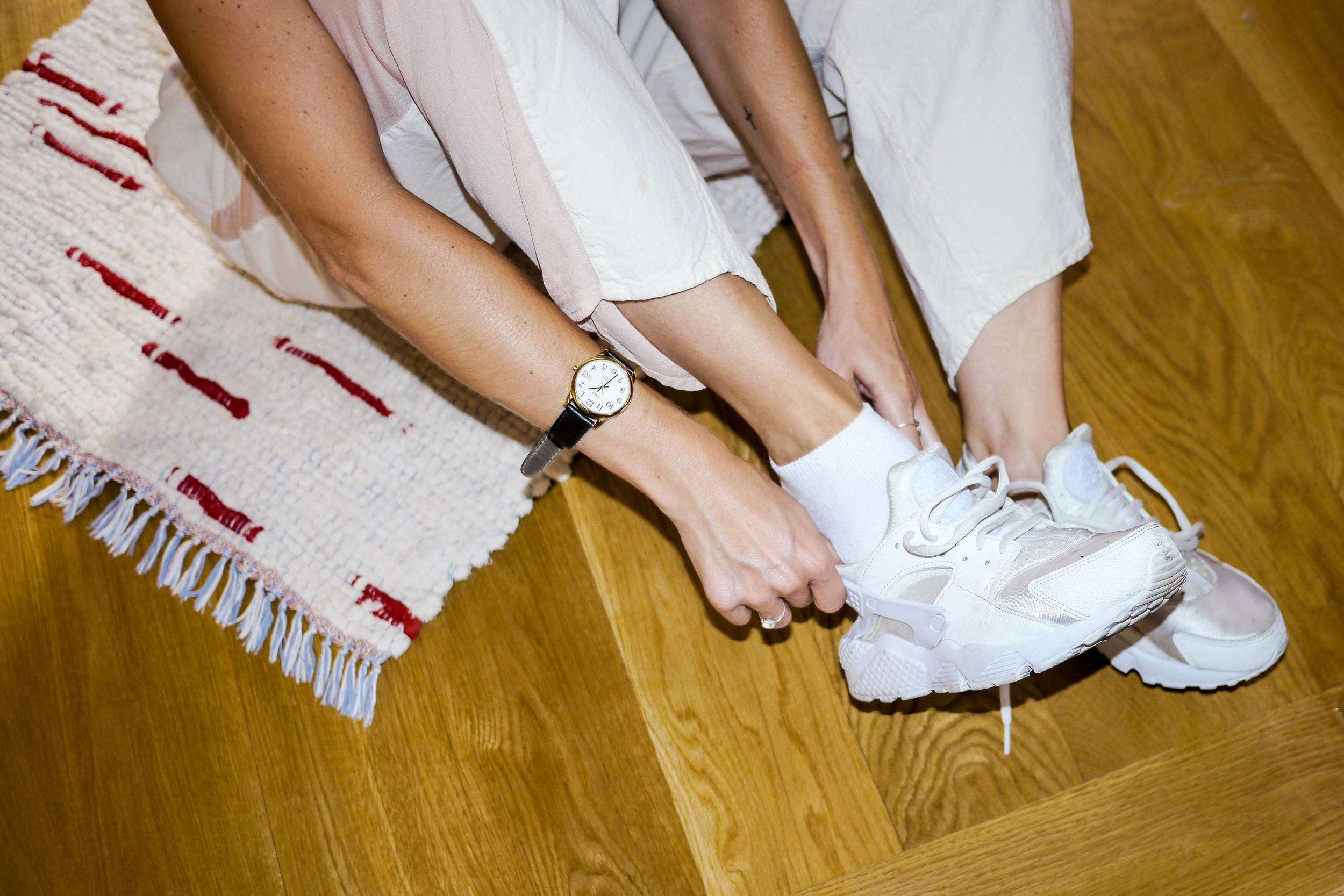 Pants, Datura ;    Shoes, Nike    ;    Watch, Timex