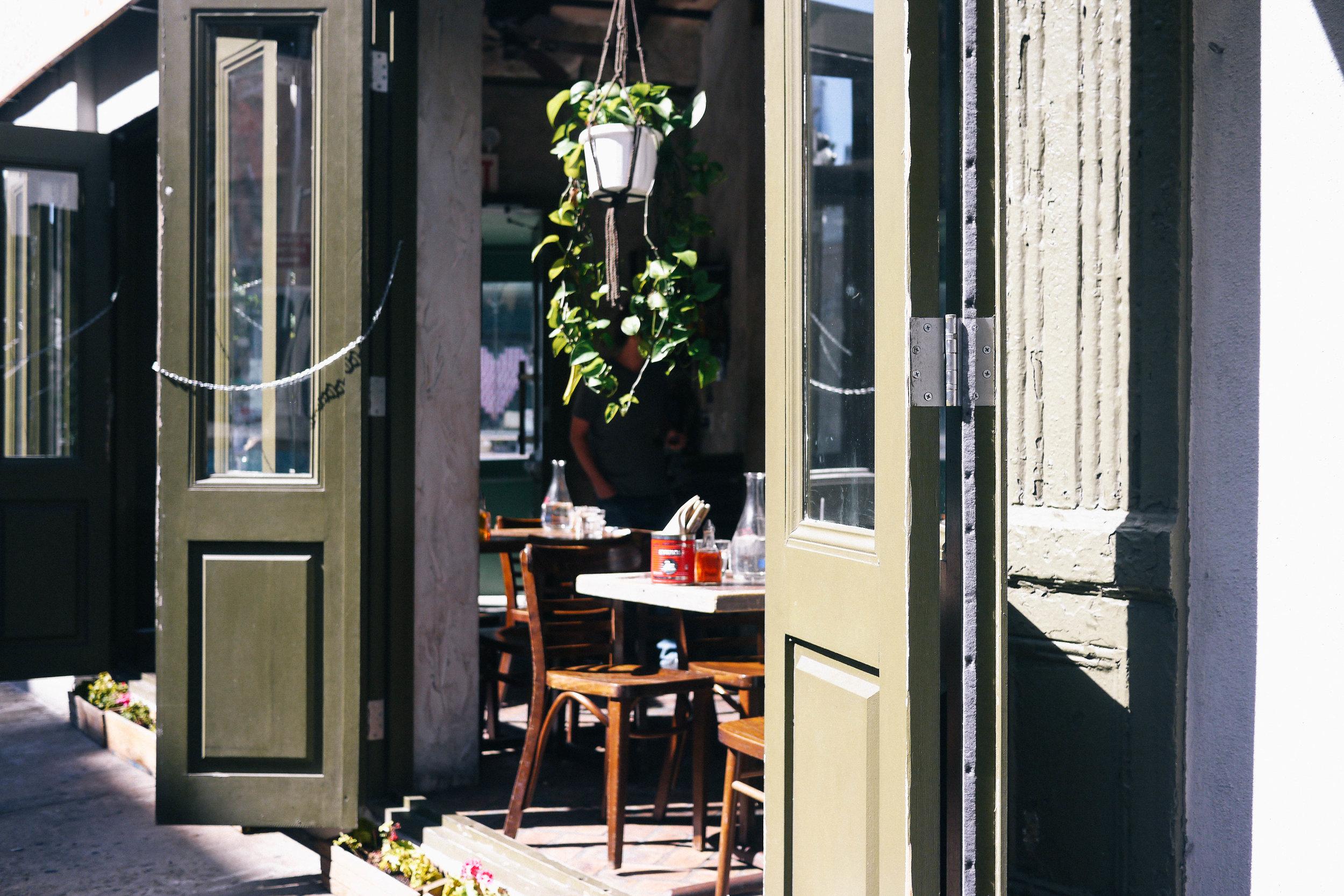 Kiki's Passerbuys Passerguides NYC Greek20.jpg