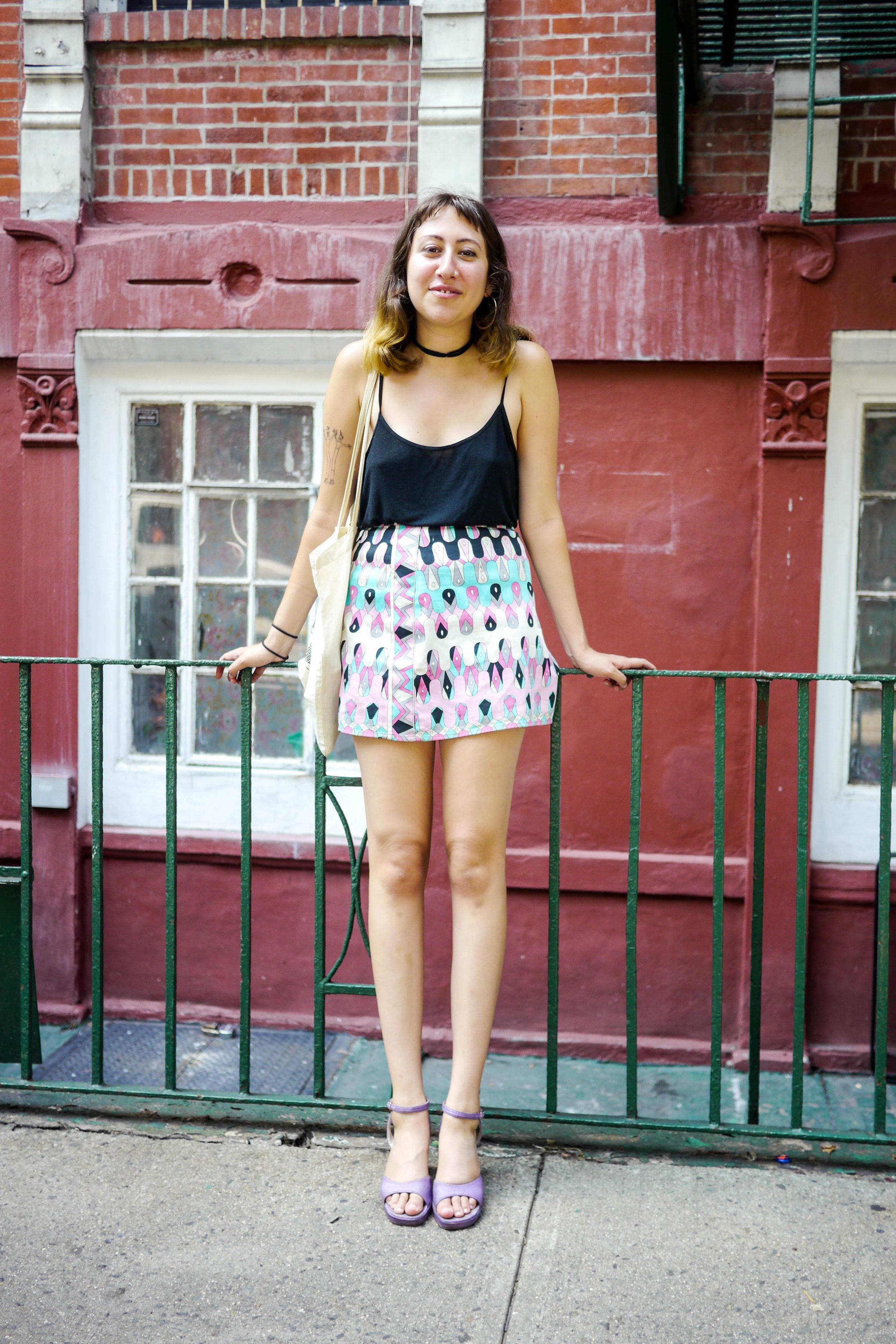 Top, Topshop    ; Skirt, Vintage ; Tote, Rube Goldberg