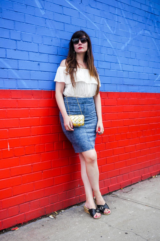 Top: ASOS   , Skirt: Mystiqueboutique,    Shoes: Worishofer   , Bag: Vintage, Sunglasses:    Ray-Ban Wayfarer   .