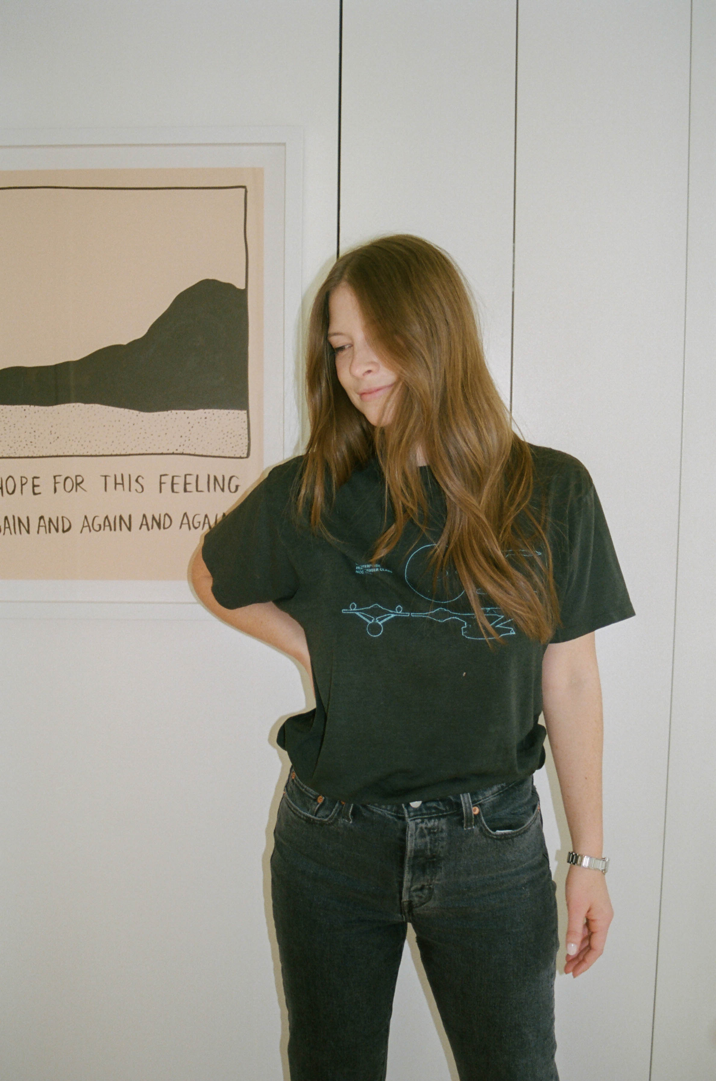 Top: Metropolis Vintage, Jeans:    Levi's Wedgie Fit