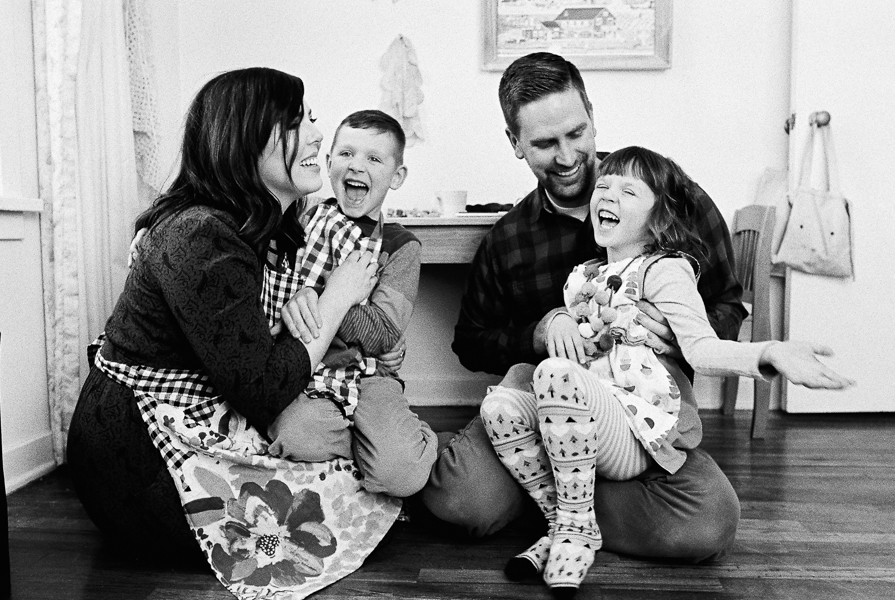 photonativefamilyshootonfilm-16.jpg