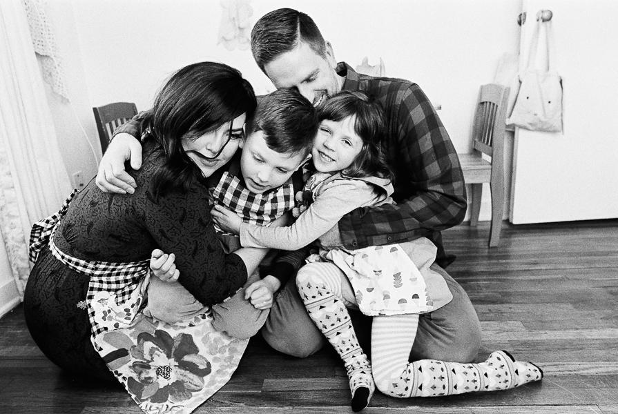 photonativefamilyshootonfilm-19.jpg