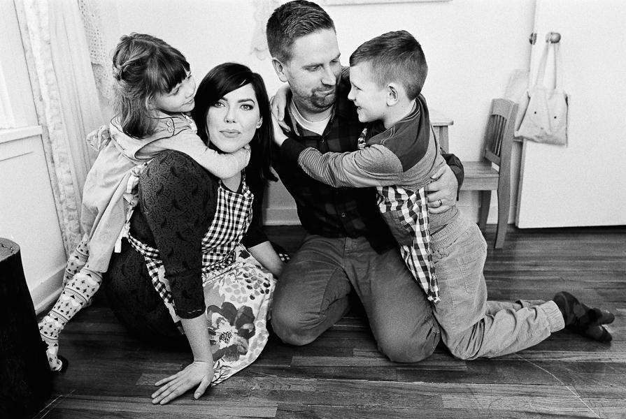 photonativefamilyshootonfilm-22.jpg