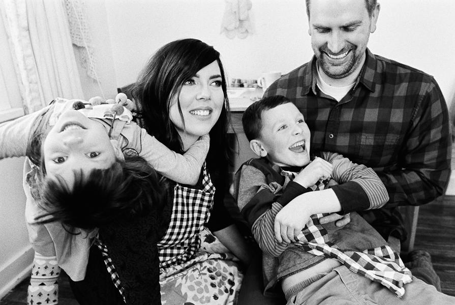 photonativefamilyshootonfilm-26.jpg