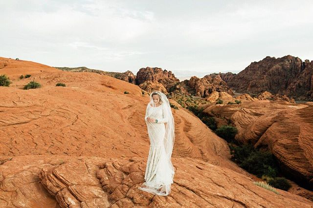 POLL: Are you a: DIGITAL photographer, a FILM photographer, or BOTH? . Photo by hybrid shooter and PN2020 instructor @mfeltphotography . . . . . #photonative #iamphotonative #believeinfilm #shootfilmstaypoor #redrock #bridal #southernutah #utah #utahphotographer #utahphotography #weddingphotography