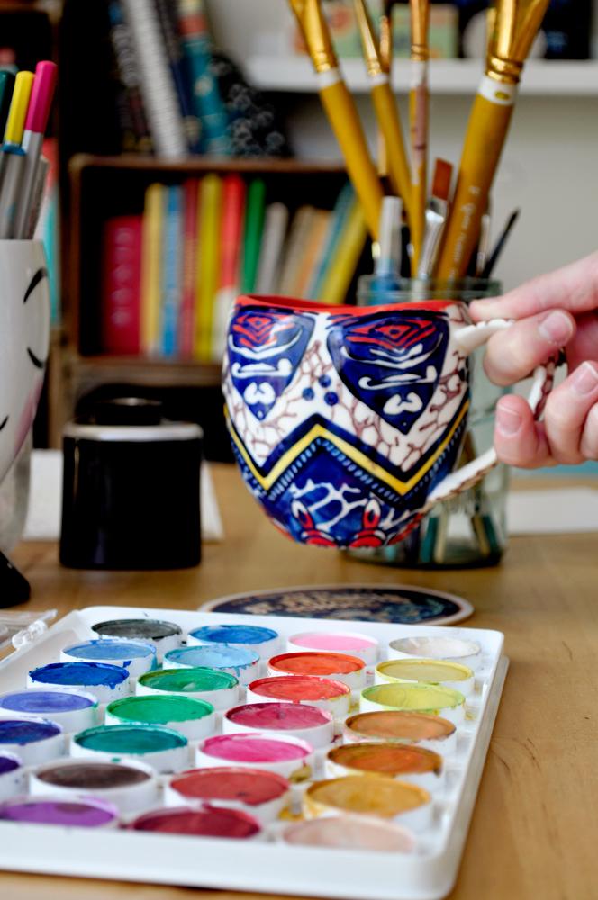 Gracie's coffee mug and supplies