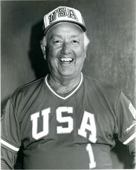 Rod-Dedeaux-with-the-US-Olympic-National-Baseball-Team.png