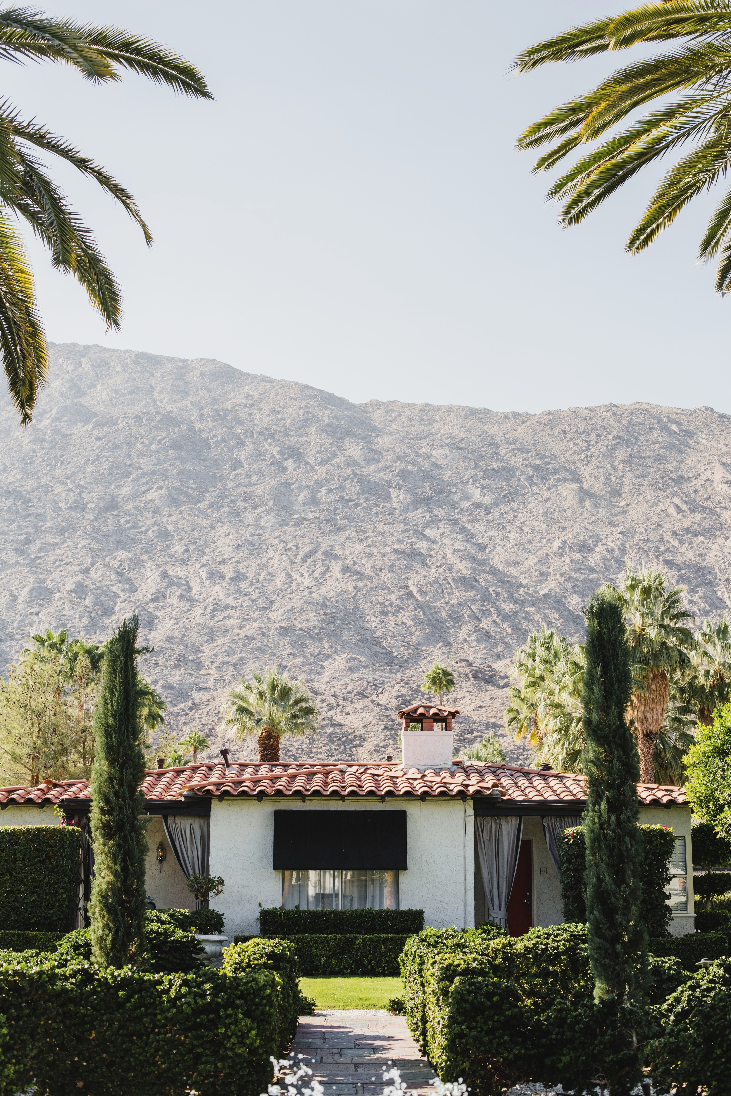 Avalon Hotel Wedding | Dana Grant Photography | Featured on Every Last Detail | Swanky Palm Springs Wedding