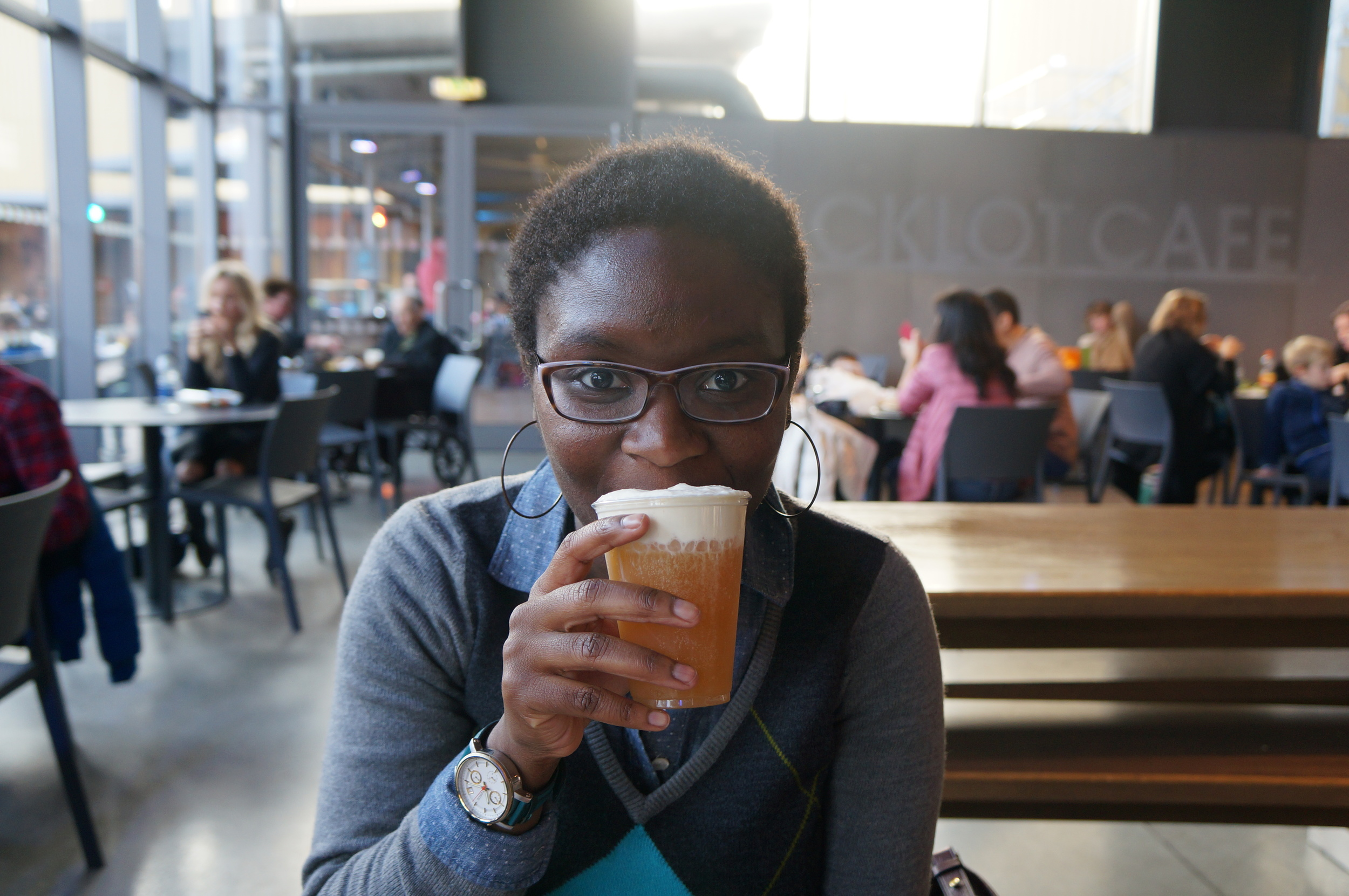 Trying some Butter Beer at the Harry Potter Studio Tour