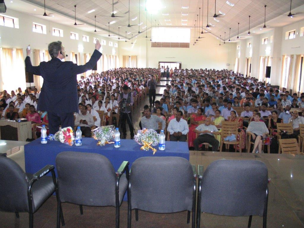 David Wiebers, M.D., presenting Theory of Reality talk at  Alva's   Institute of Engineering &   Technology   outside of   Mangalore, India.