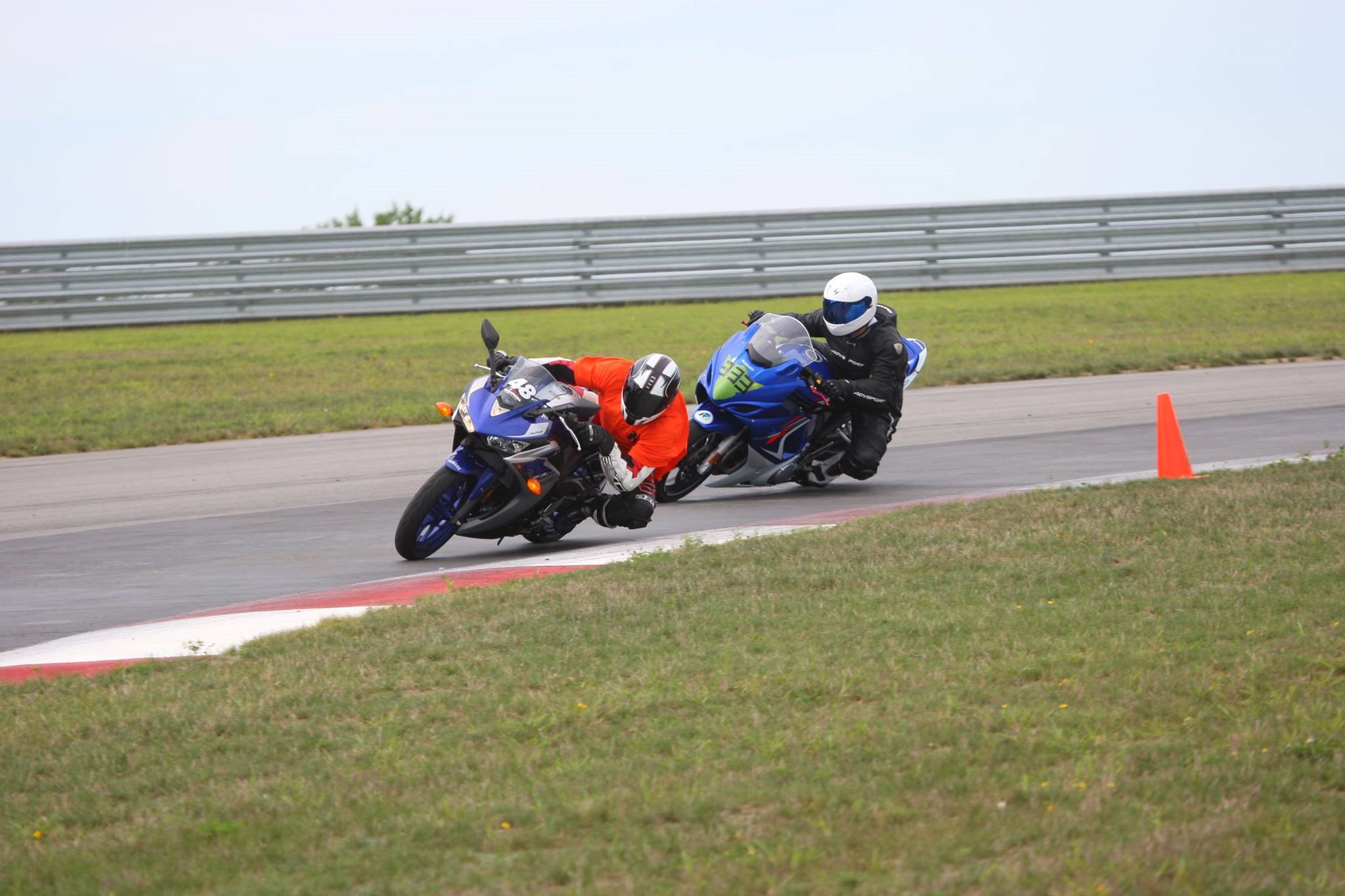 Can you guess who's faster? R3 vs Hayabusa