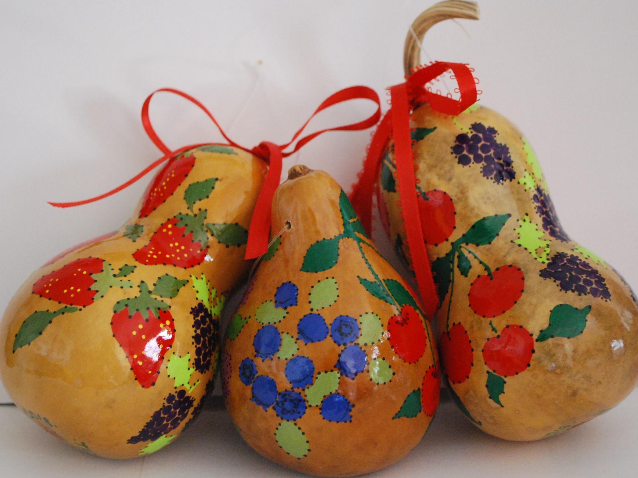 LIERMANN geraldine - berry gourds (2).JPG