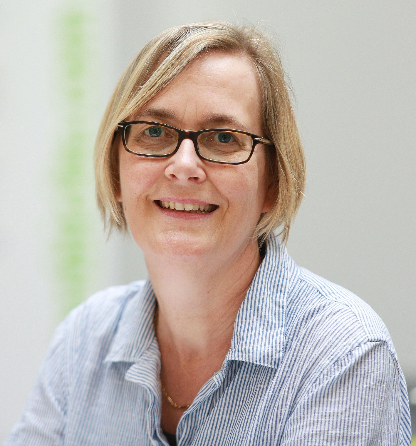 Dr. Kirsten Jensen - Senior Research Officer/Project Manager SynbiCITE Imperial College LondonDr. Kirsten Jensen has been working in research for over 20 years. She began her career in Hamburg at the Heinrich Pette Institute - Leibniz Institute for Experimental Virology, where she worked on the molecular basis of Acute Promyelocytic Leukaemia.