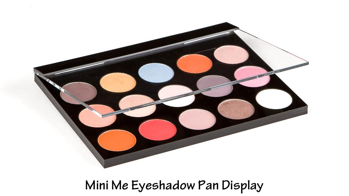 Mini+Me-+eyeshadow-+edited.jpg