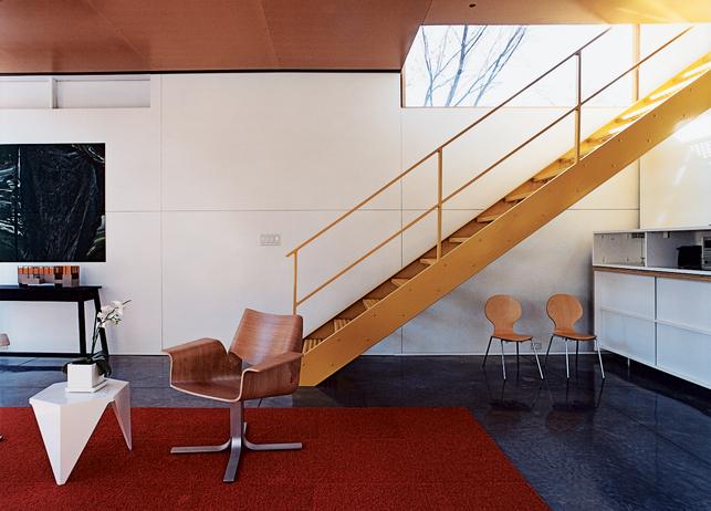 flat-pack-house-stairs[1].jpg