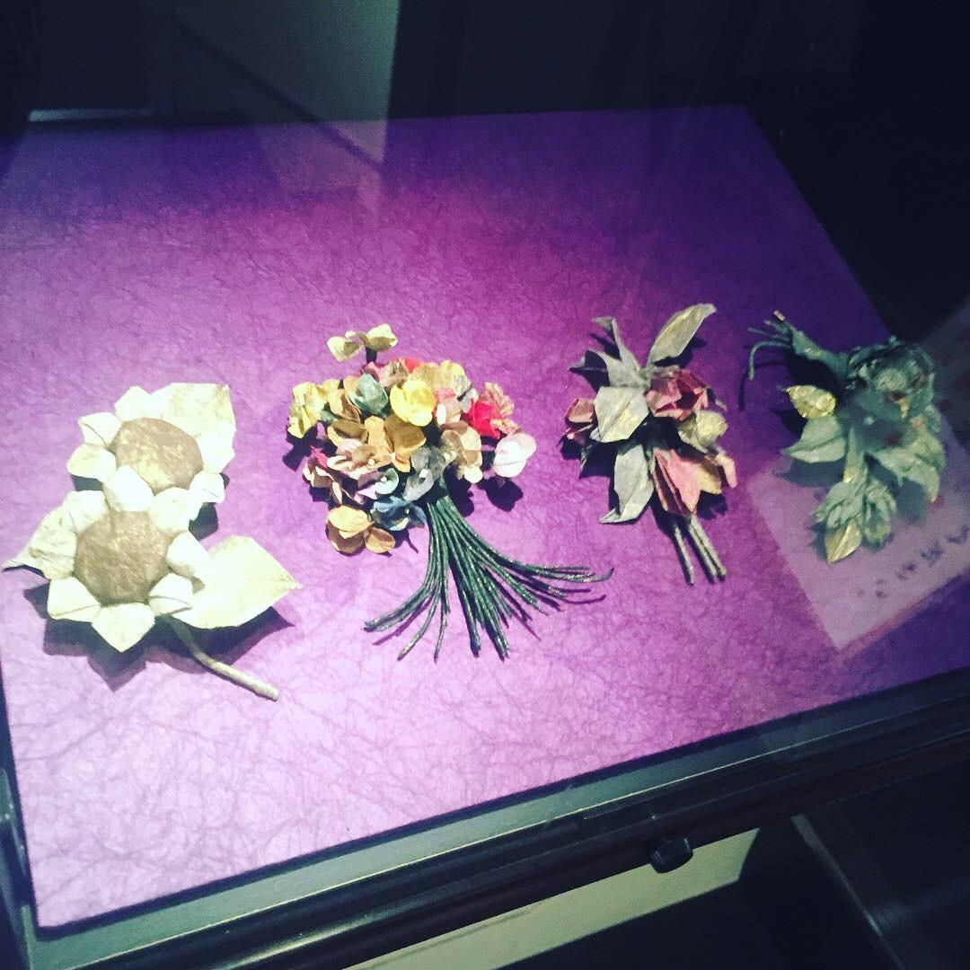 origami paper flowers.JPG