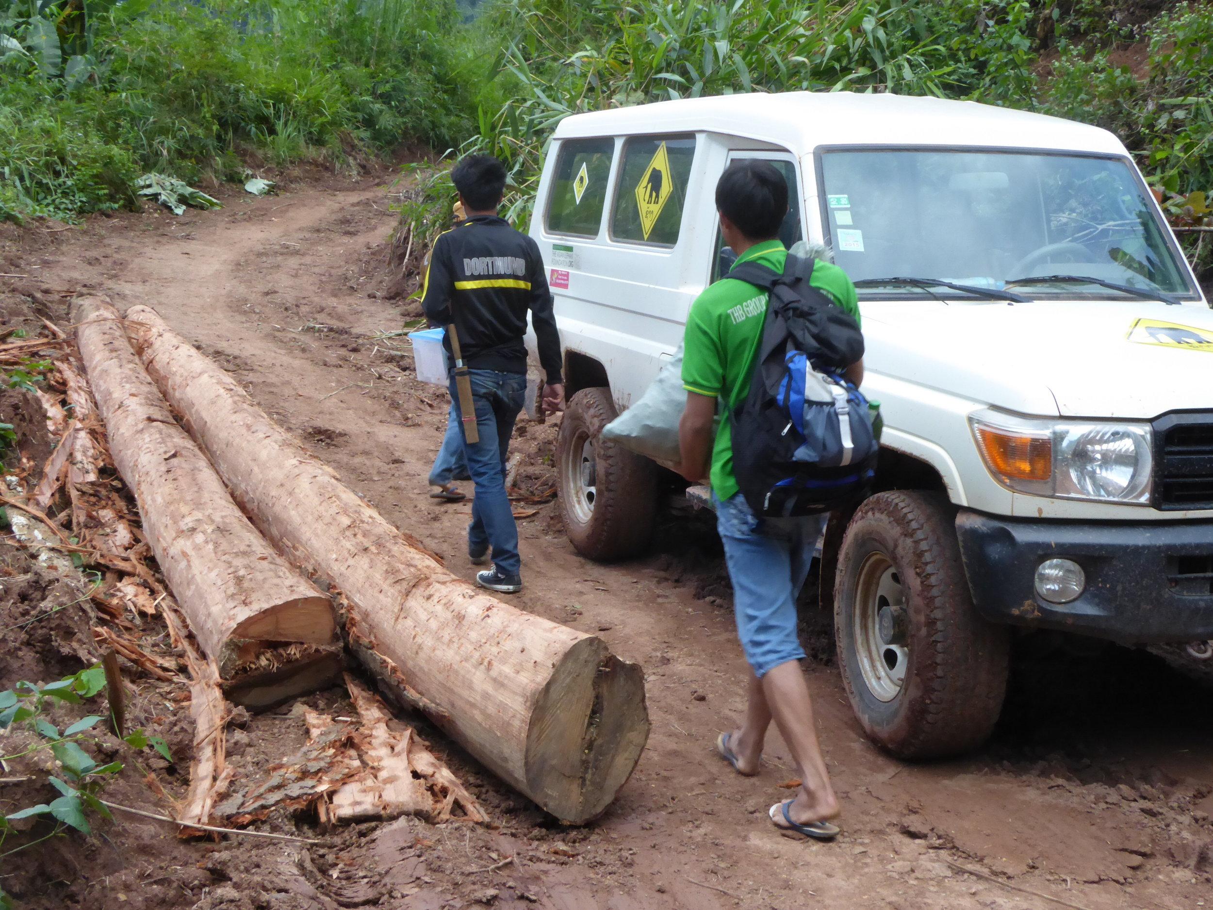 Laos Mobile Elephant Clinic