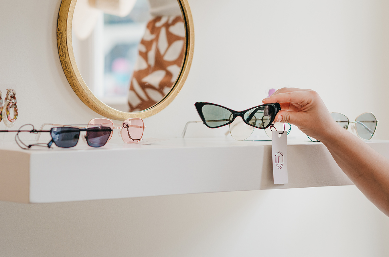 flourish-collaborative-edition-shop-savannah-floating-shelf-display-sunglasses.jpg