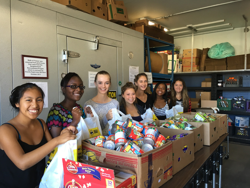 Bonsall High students help at food pantry