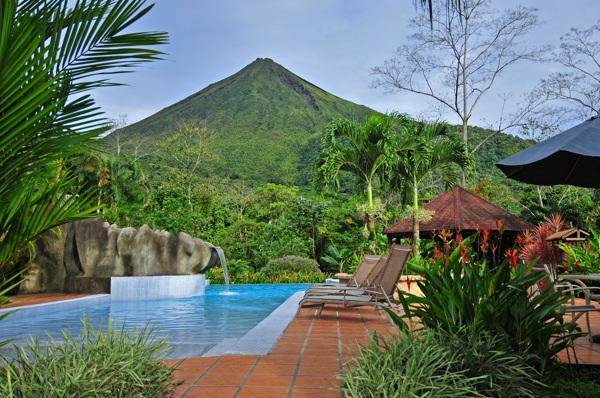 lomas-del-volcan-view3.jpg