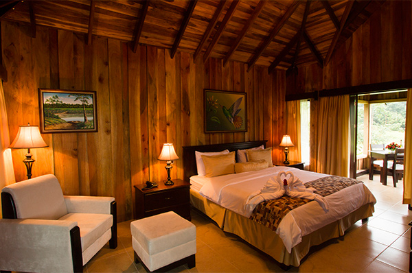 lomas-del-volcan-bedroom.jpg