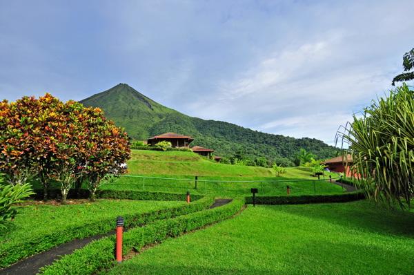 lomas-del-volcan-view2.jpg