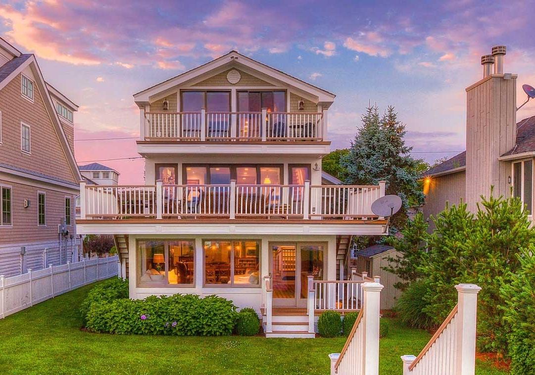 196 Pine Creek Ave I  Property Website