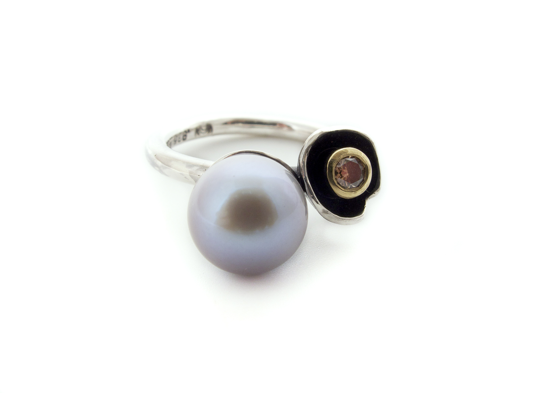 grey freshwater pearl and cognac diamond ring in sterling silver & 18ct yellow gold