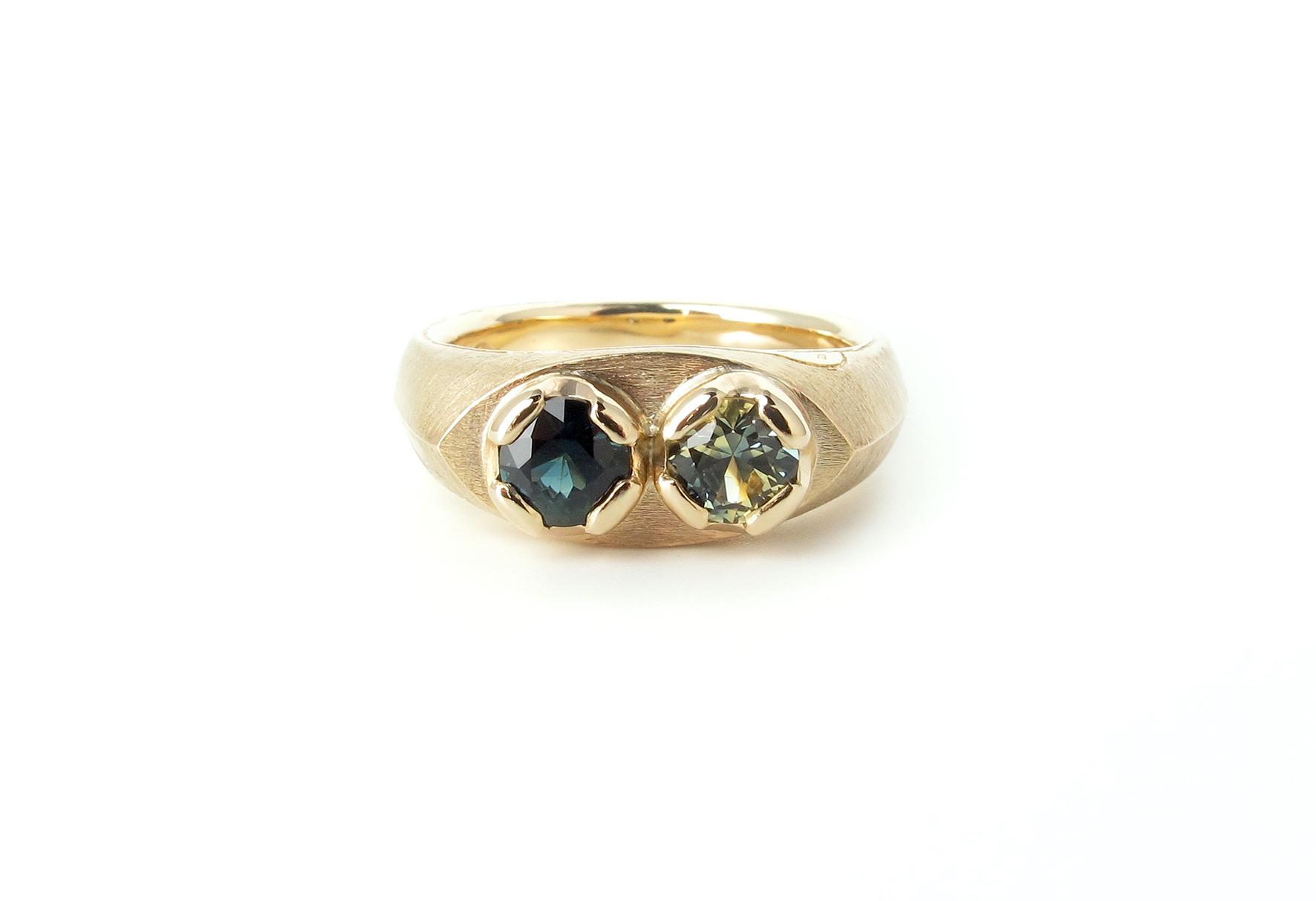 toietmoi sapphire signet ring .jpg