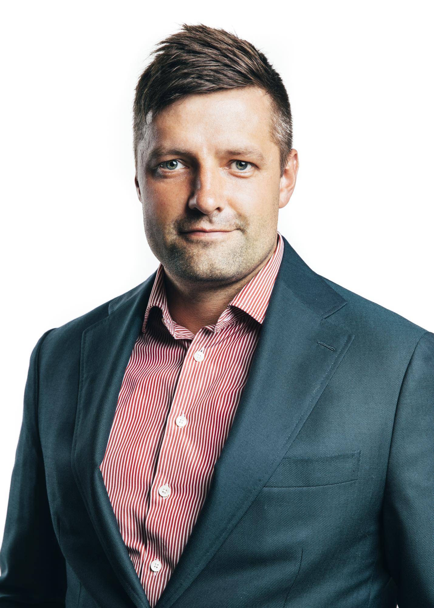 MAXIM RESCHULSKY    Chief Portfolio Officer