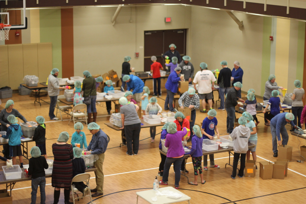 Illini Fighting Hunger - 1 of 20 (15).png