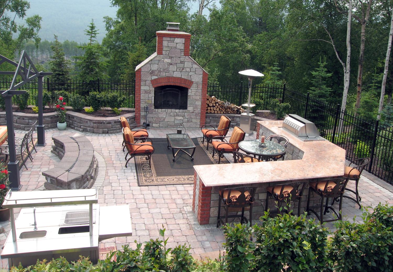 Outdoor_Living_fireplace.jpg