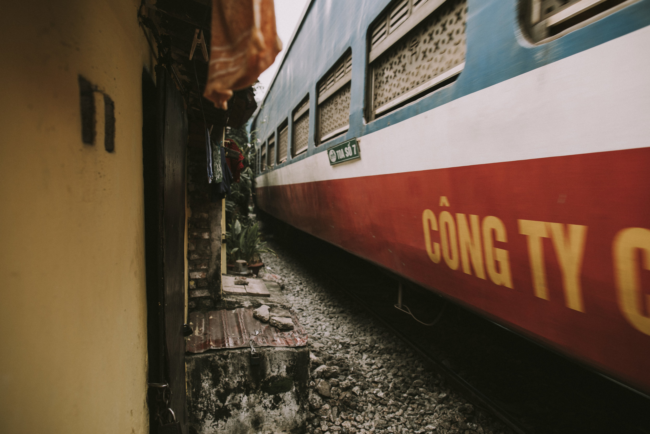 Train passing through Hanoi