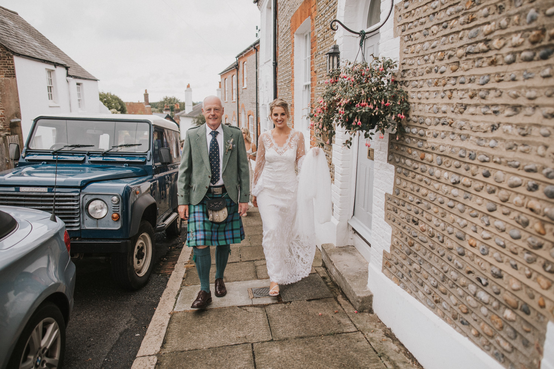west-sussex- wedding -photographer - Duncton mill fishery109.JPG