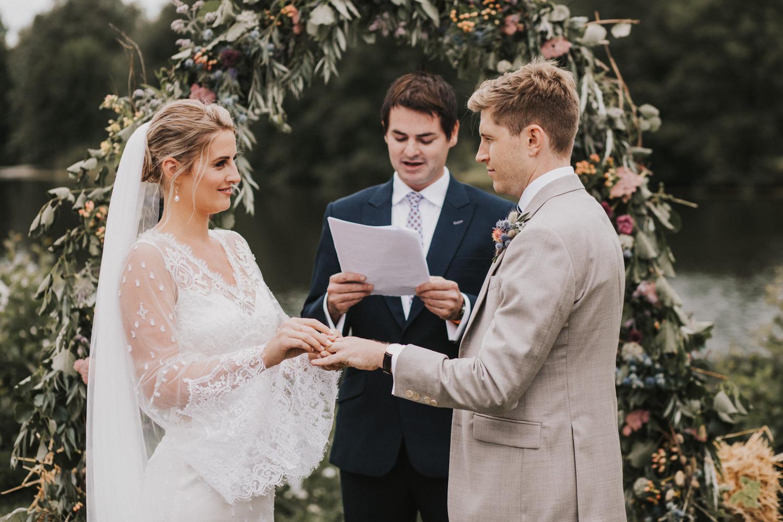 west-sussex- wedding -photographer - Duncton mill fishery6.JPG