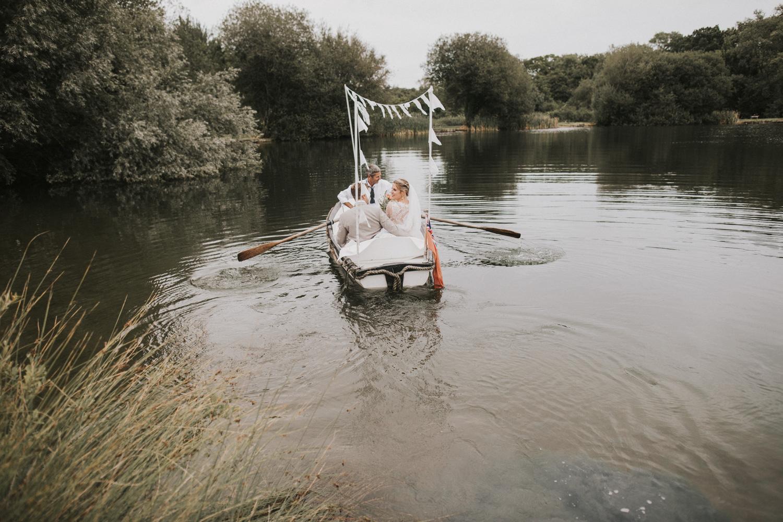 west-sussex- wedding -photographer - Duncton mill fishery8.JPG