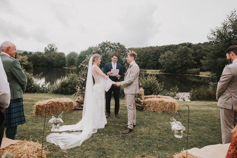 west-sussex- wedding -photographer - Duncton mill fishery10.JPG