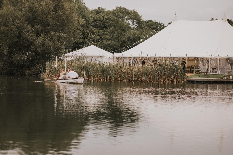 west-sussex- wedding -photographer - Duncton mill fishery17.JPG