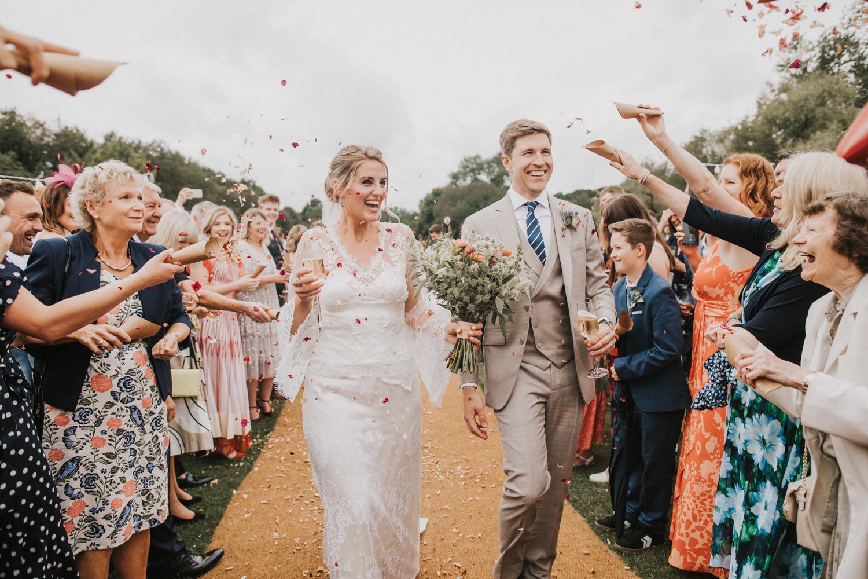 west-sussex- wedding -photographer - Duncton mill fishery19.JPG
