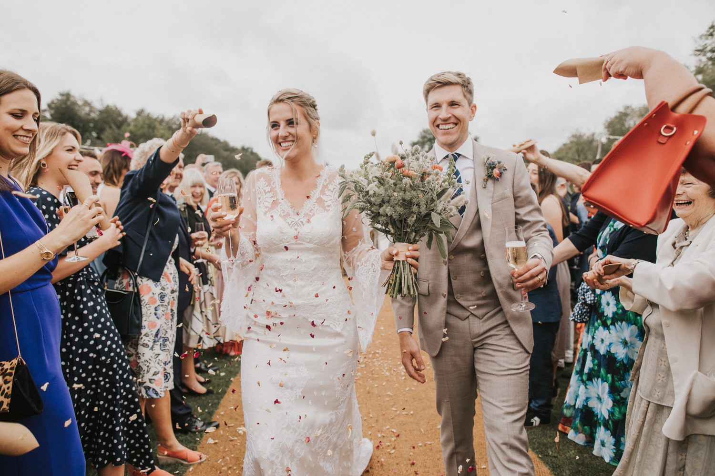 west-sussex- wedding -photographer - Duncton mill fishery21.JPG