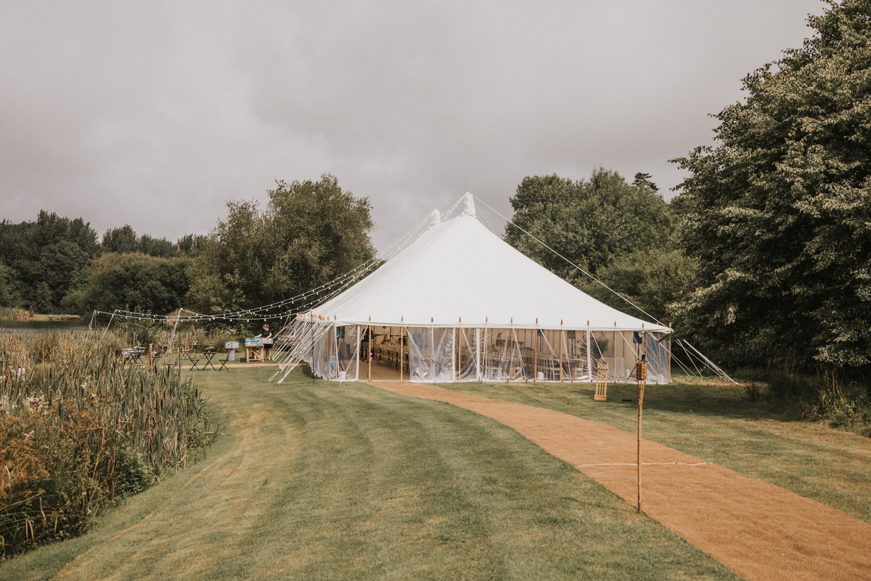 west-sussex- wedding -photographer - Duncton mill fishery24.JPG
