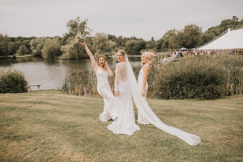 west-sussex- wedding -photographer - Duncton mill fishery33.JPG