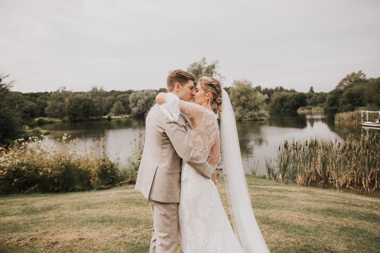 west-sussex- wedding -photographer - Duncton mill fishery38.JPG