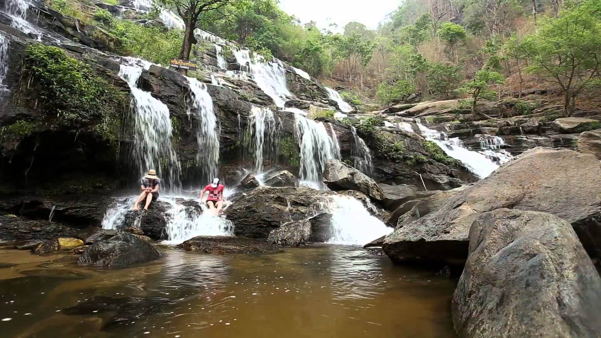 Mea Ya waterfall.jpg