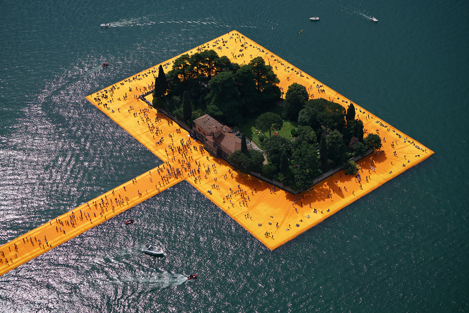 The Floating Piers , Lake Iseo, Italy, 2014-16 Photo: Wolfgang Volz © 2016 Christo