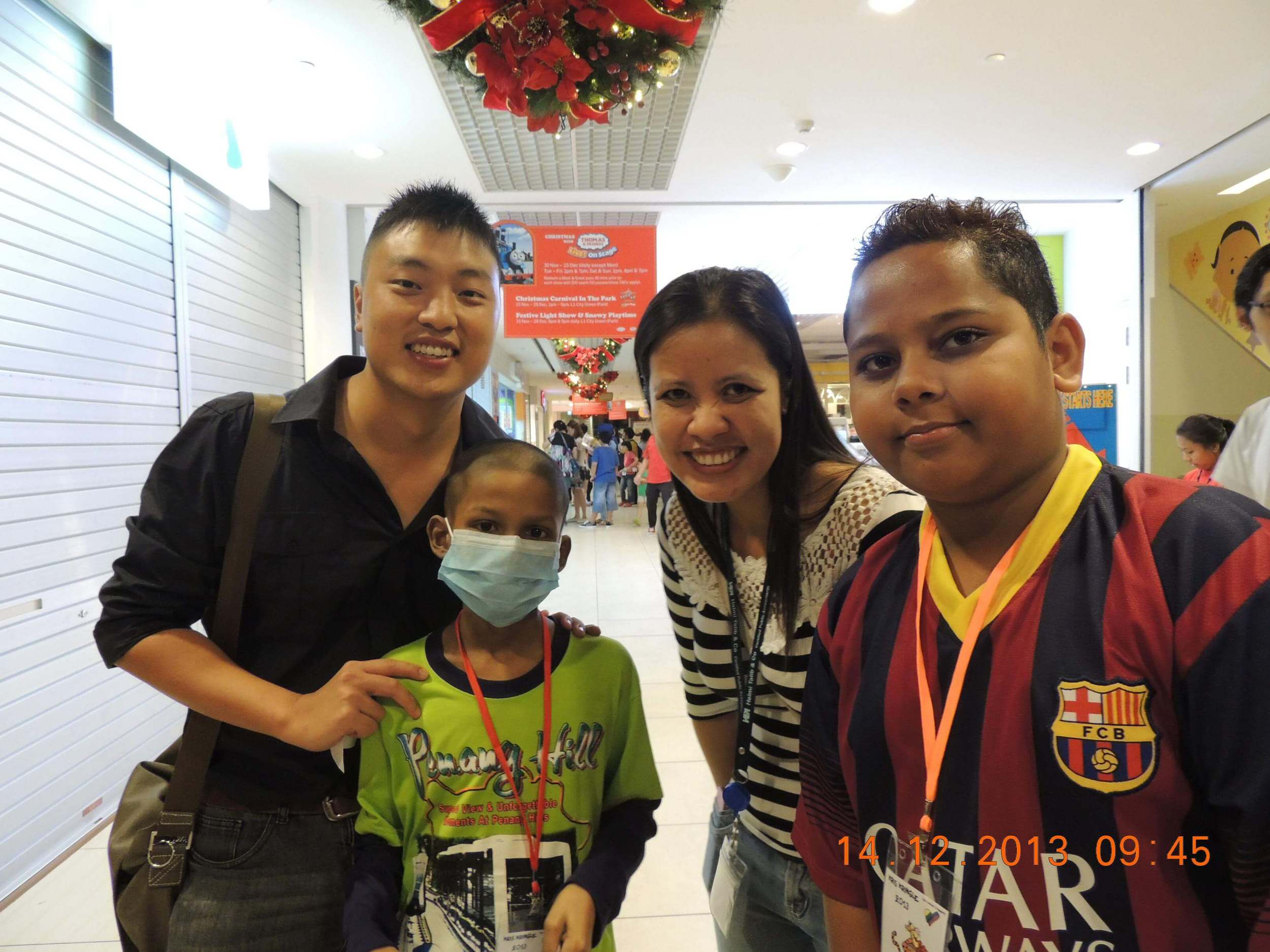 Club Rainbow Singapore Kris Kringle 2013-5.jpg