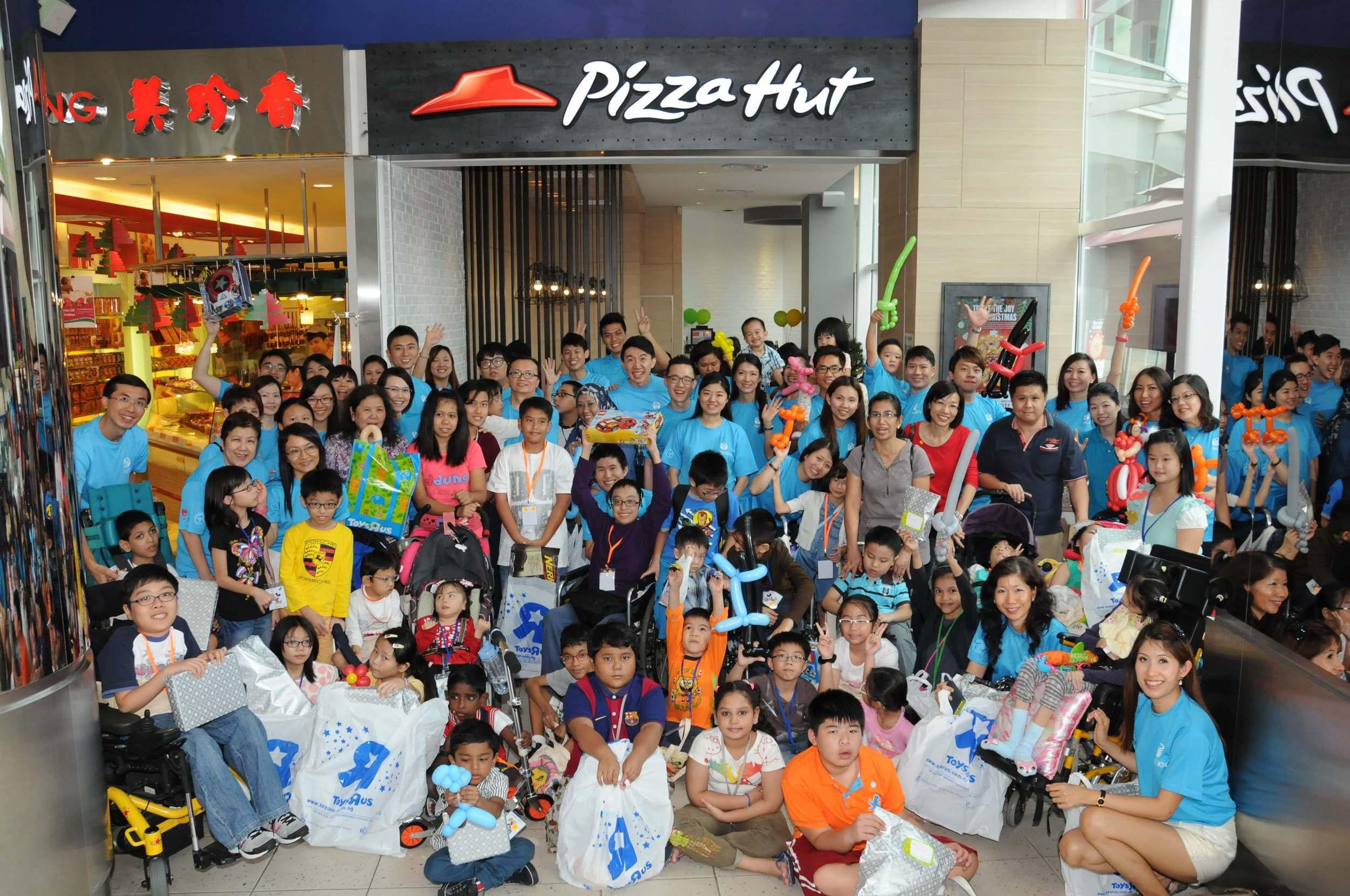 Club Rainbow Singapore Kris Kringle 2014-3.JPG
